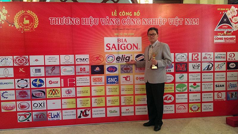 le-trao-giai-thuong-hieu-vang-cong-nghiep-viet-nam-thuong-hieu-elig-nam-2014